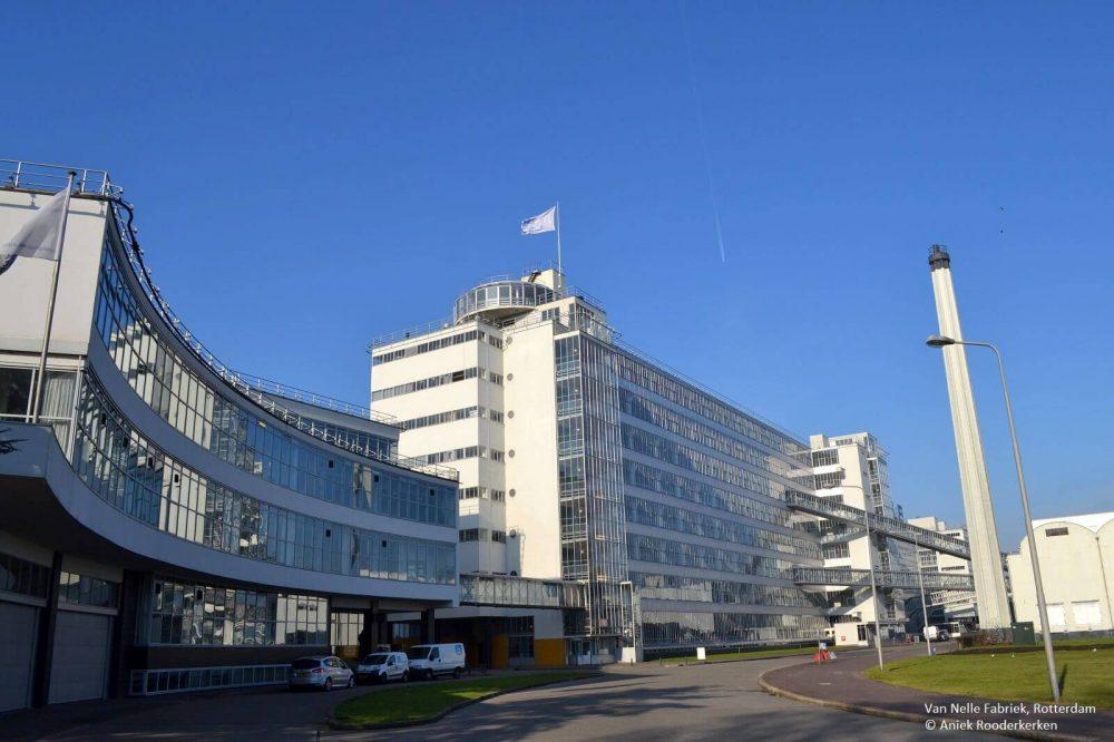 De Van Nellefabriek met aan de linkerzijde twee van de drie directiekantoren