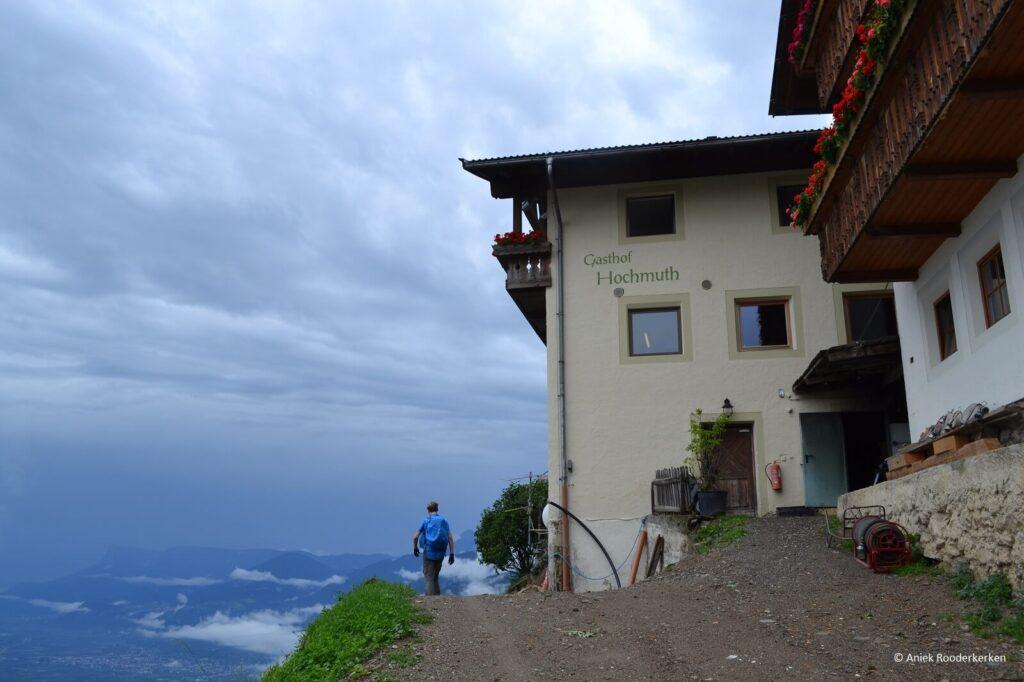 Gasthof Hochmut aan de Alta Via di Merano of Meraner Höhenweg