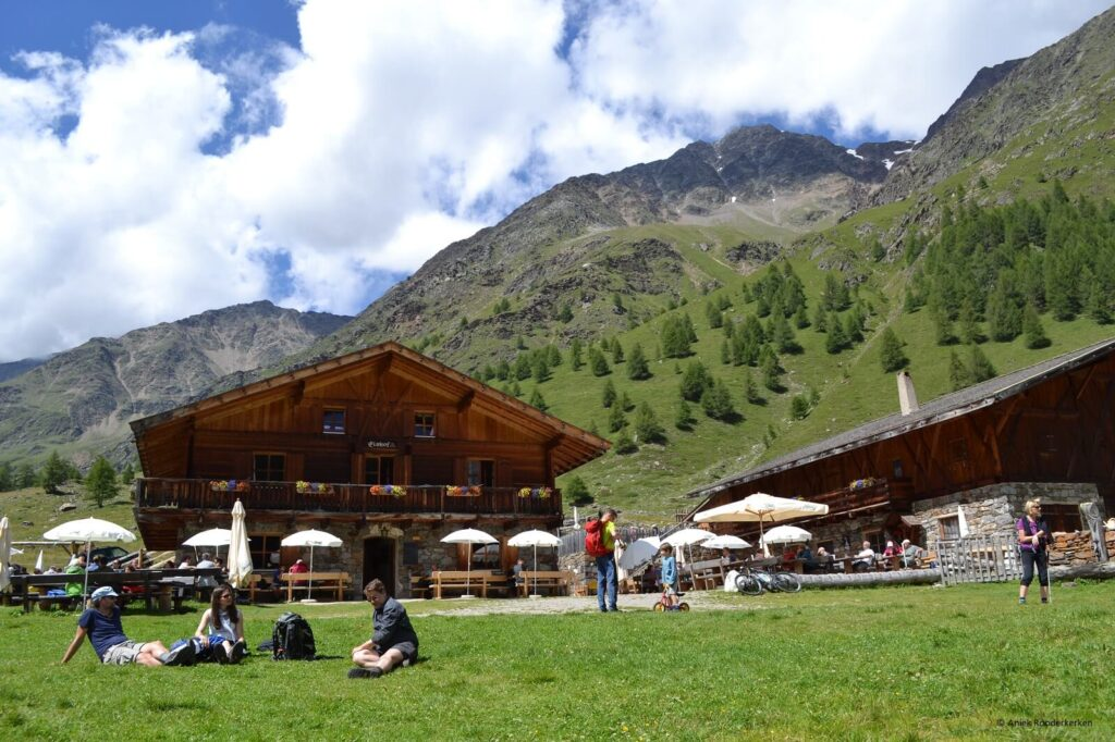 Hiken naar de Eishof berghut in het Val di Fosse / Pfossental