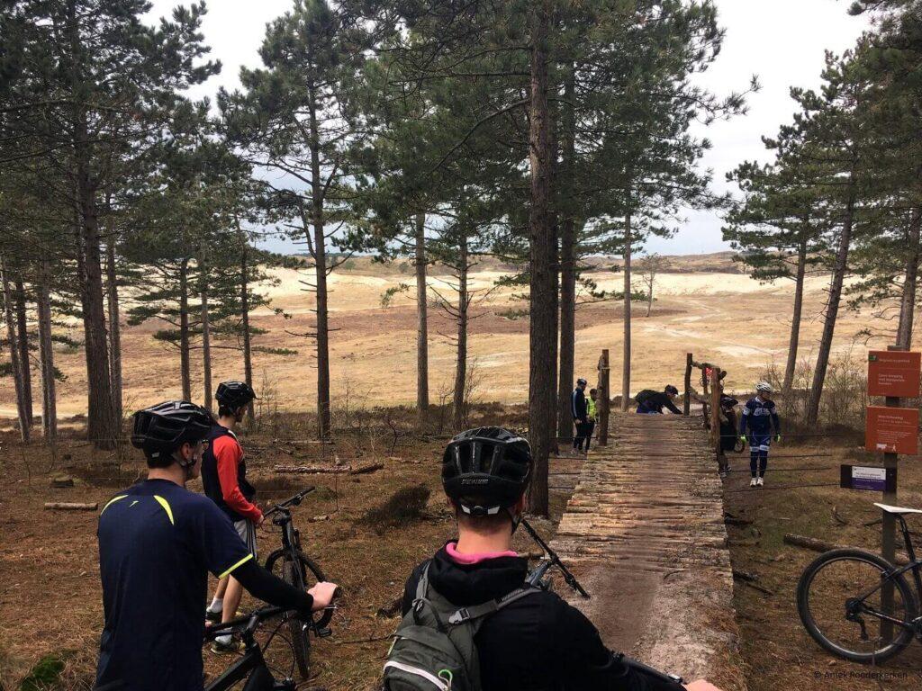 Mountainbike clinic in de Schoorlse Duinen