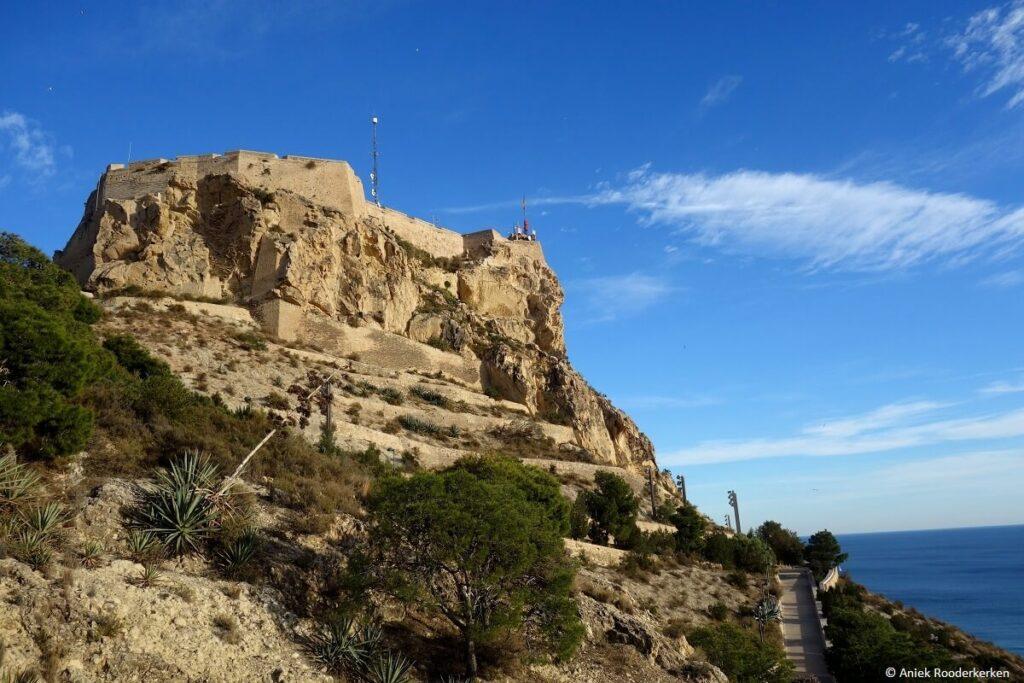 Castillo de Santa Bárbara op Monte Benacantil