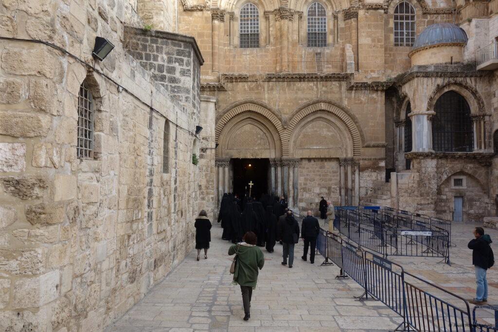 Openen van de deuren van de Heilig Grafkerk