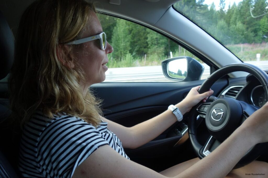 Julbo bril tijdens het autorijden in Zweden
