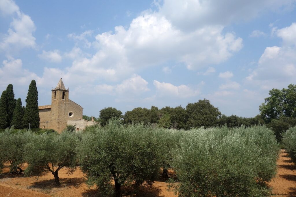 Een klein kerkje in de omgeving van Banyoles