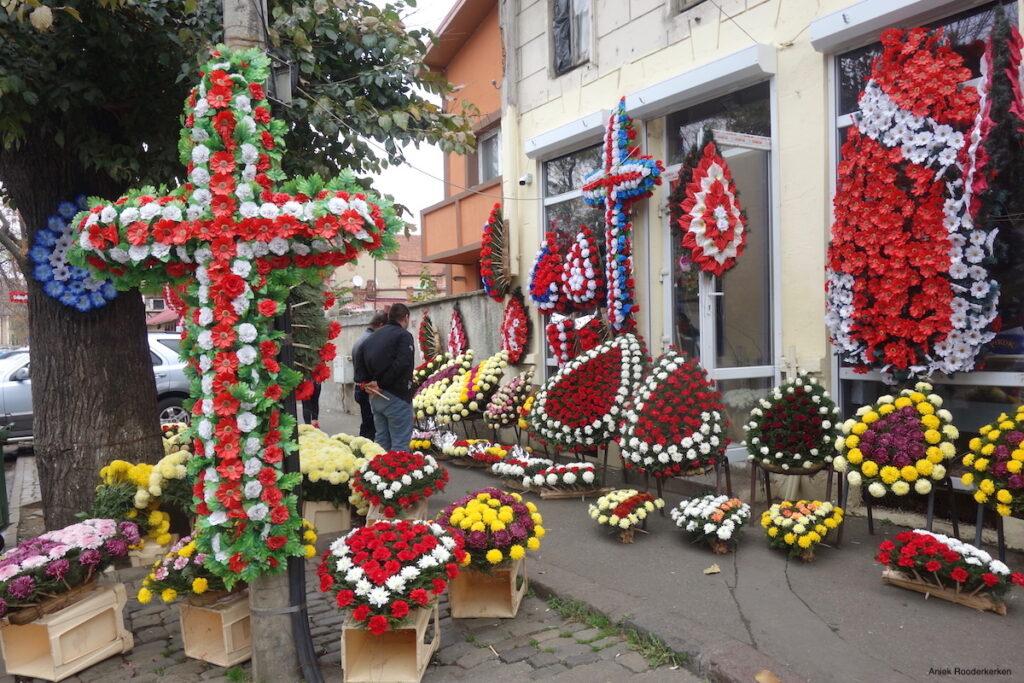 Roma bloemenmarkt Piaţa de flori George Coşbuc in Boekarest