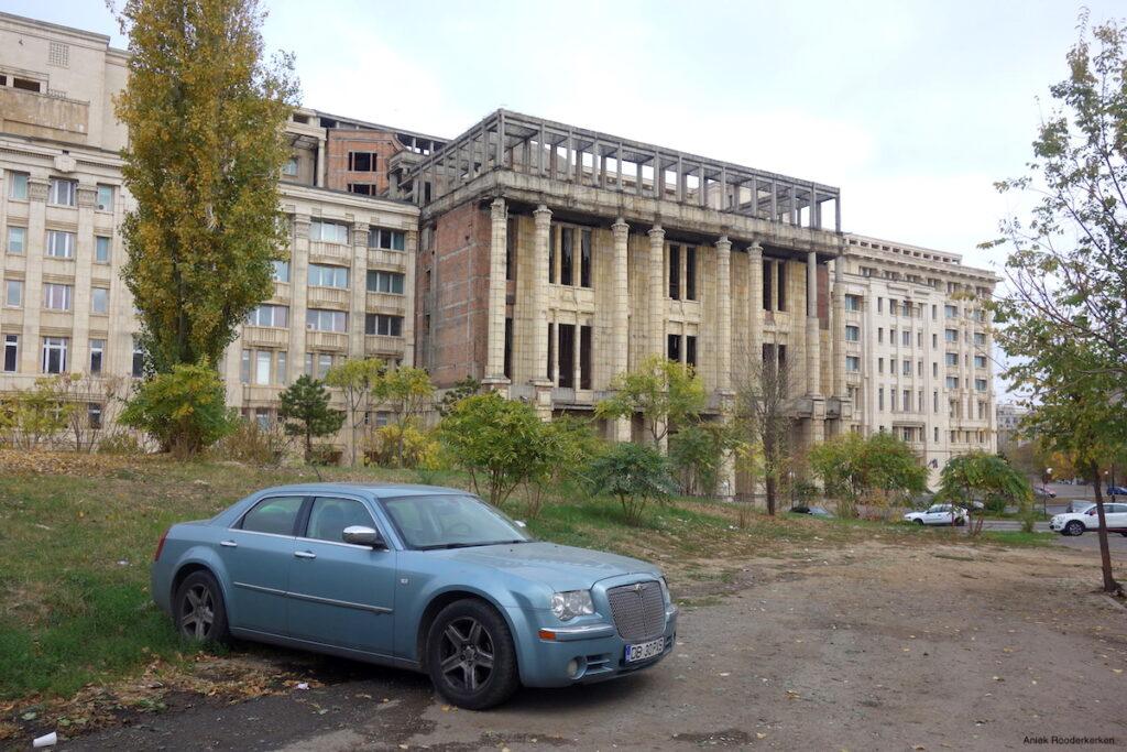 De onafgewerkte Roemeense Academie, gebouwd voor Nicolae Ceaușescu