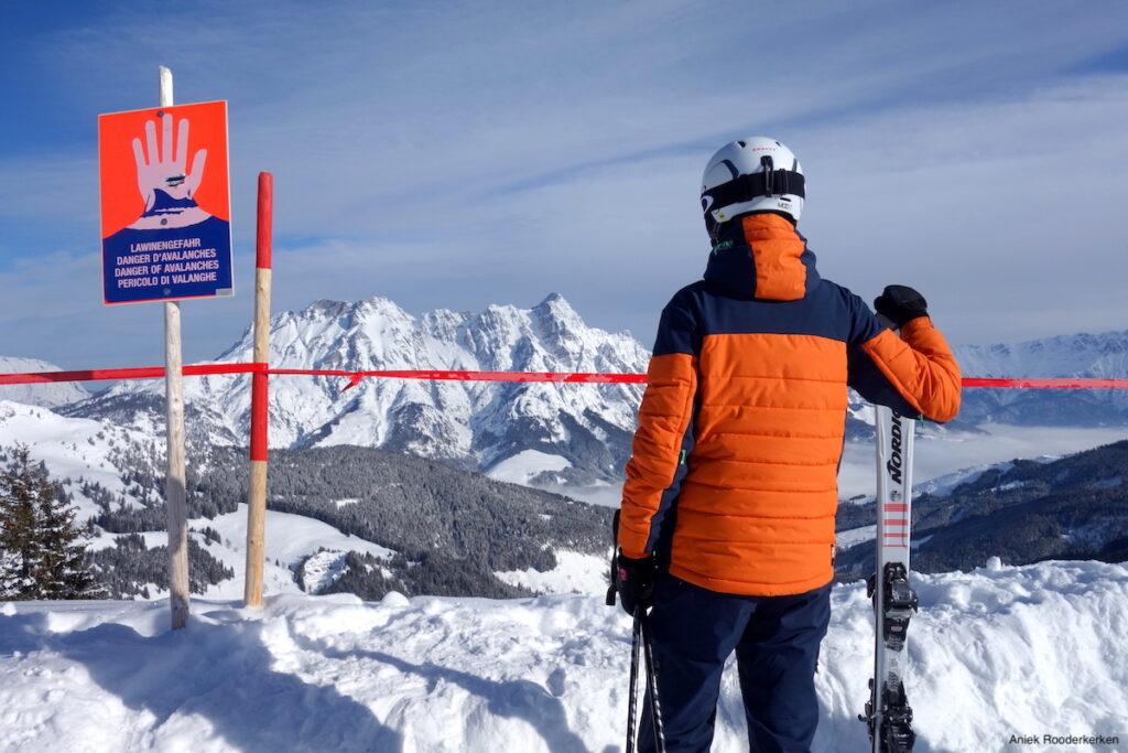 Wintersport in Saalbach: uitzicht vanaf het Schönleitenbahn Bergstation