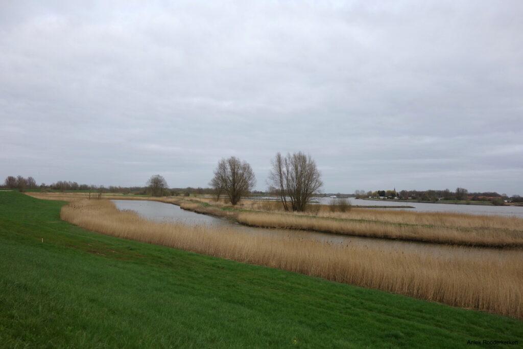 Fietsroute over de Lekdijk bij Utrecht