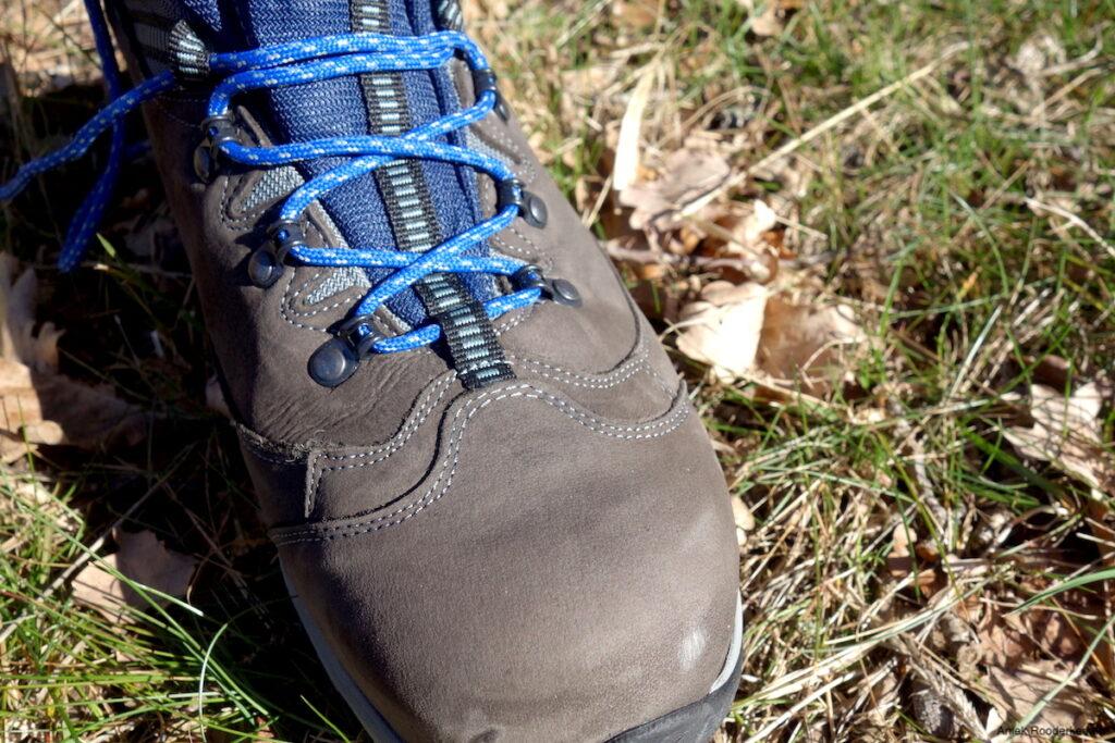 De Berghen wandelschoen is gemaakt van Nubuck in combinatie met een ademend en waterdicht Berghen-Tex membraam