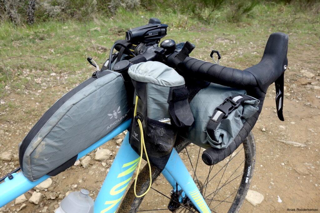 Paklijst Italy Divide: Bikepacking setup met Apidura tassen