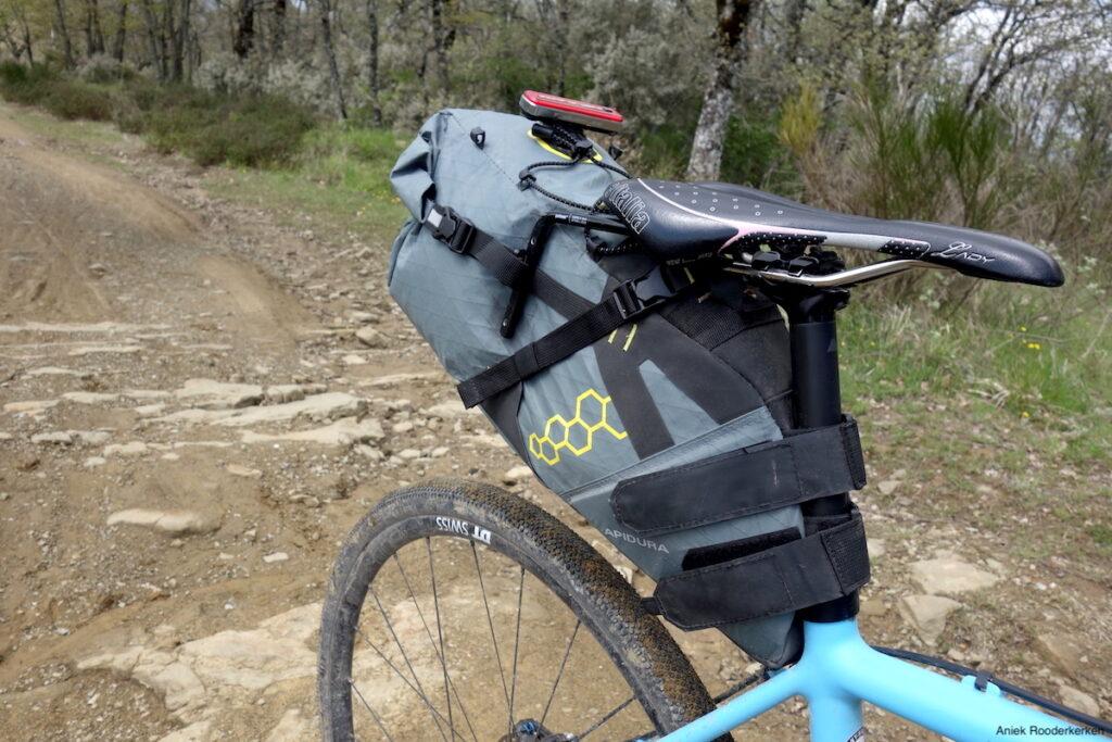 Apidura tassen en Canyon Inflite fiets