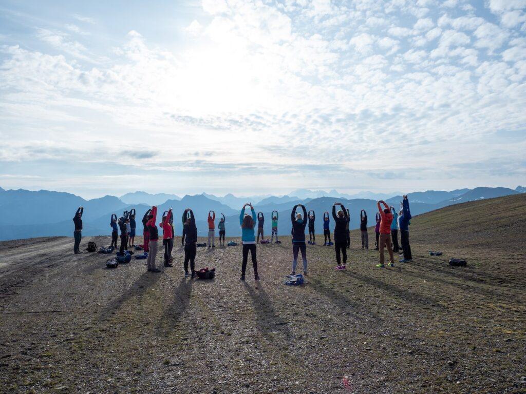 Yoga tijdens het ochtendgloren, foto door Fabio Borga