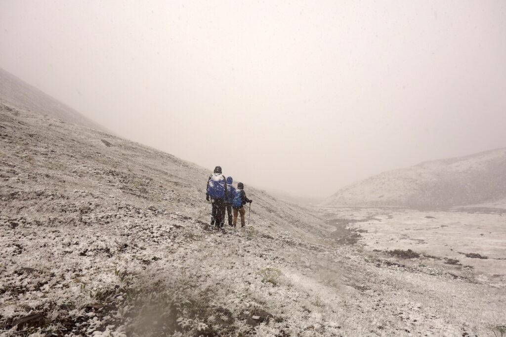 Sneeuwstorm in Kirgizië