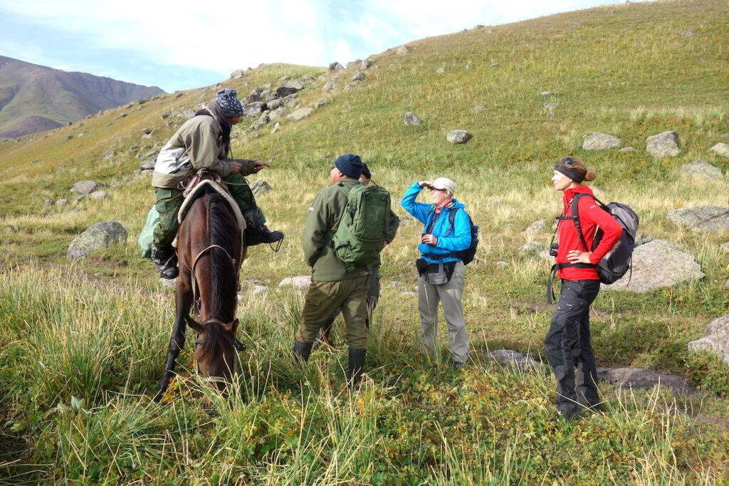 Een herder interviewen tijdens een van de hikes
