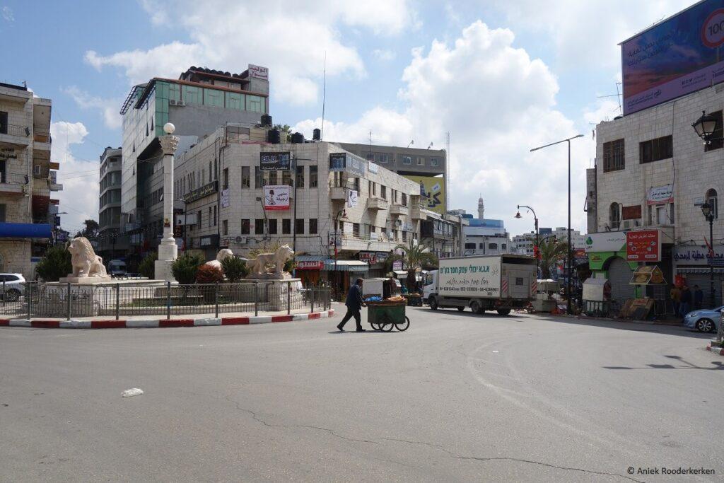 Ramallah in Palestina: De Westbank vanuit Jeruzalem
