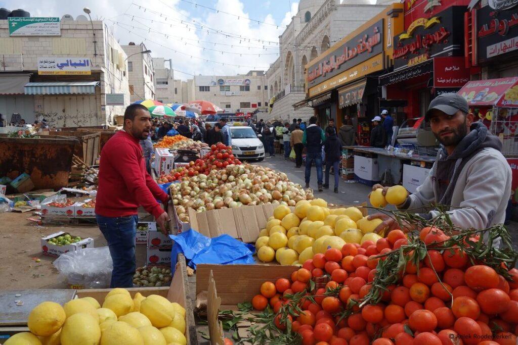 De markt van Ramallah in Palestina