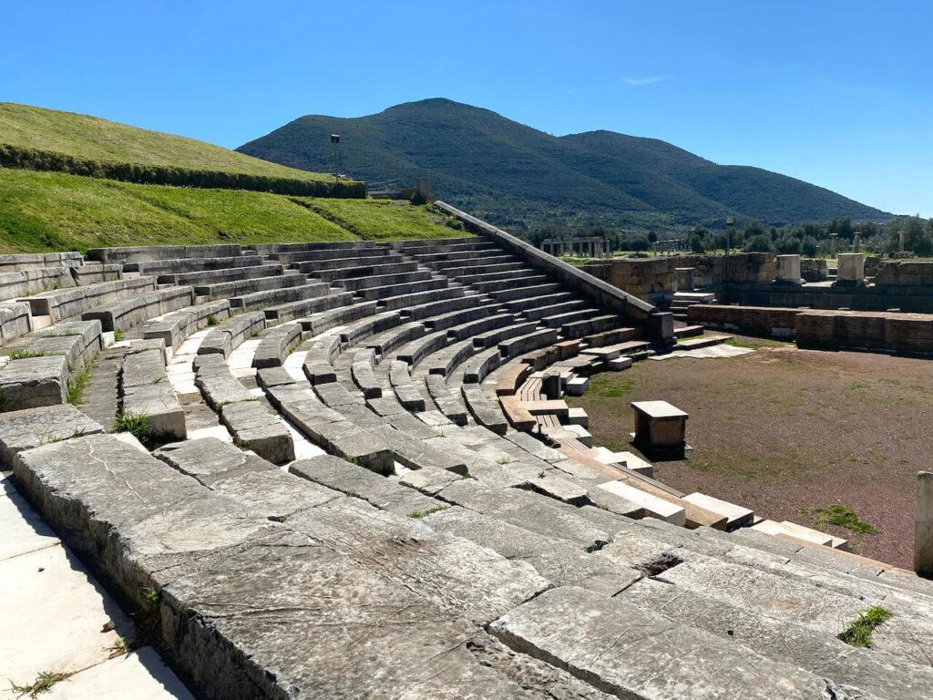 Theater in Oud-Messini in de buurt van Kalamáta, Griekenland