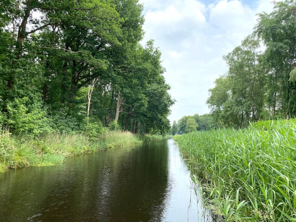 Suppen in Ravenswoud: Friesland vanaf het water