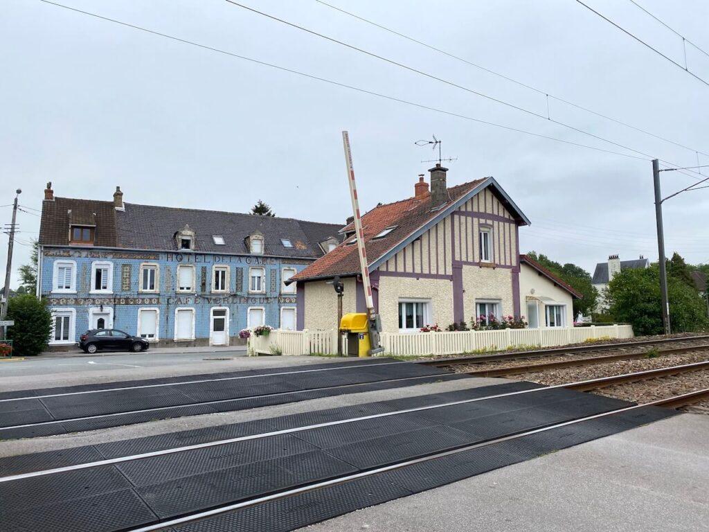 Spoorwegovergang in Hesdigneul-lès-Boulogne