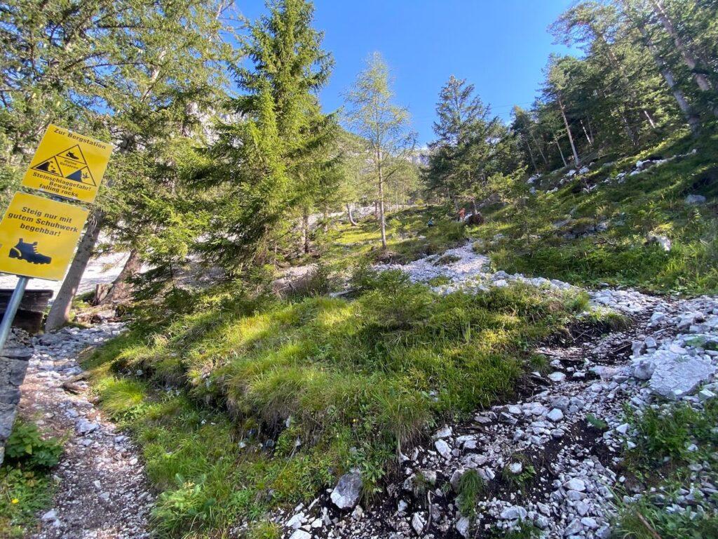 Wandeling naar het bergstation van Eisriesenwelt