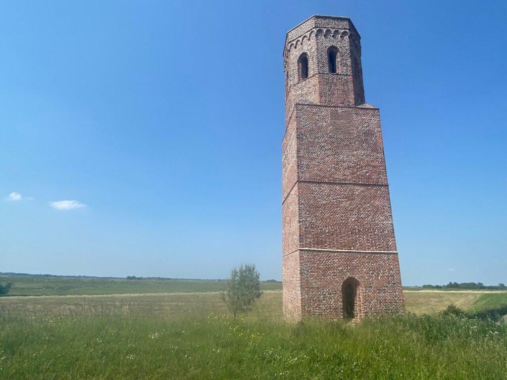 Plompe Toren van het voormalige dorp Koudekerke